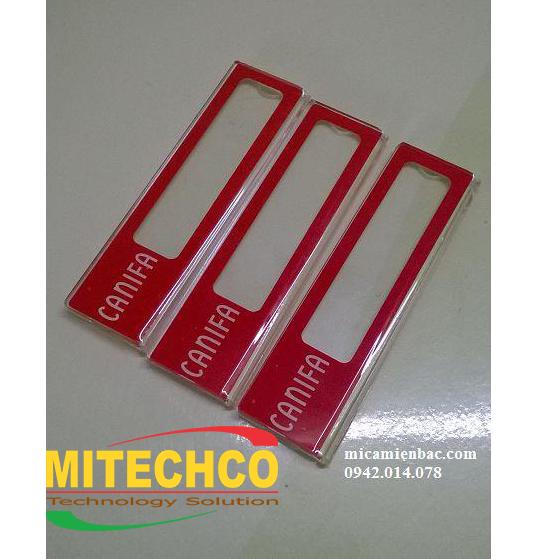 Thẻ tên mica được đặt làm theo yêu cầu